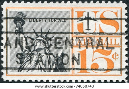 USA - CIRCA 1959: A stamp printed in the USA, shows the Statue of Liberty, circa 1959