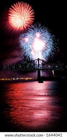 "USA fireworks at ""La Ronde"", Montreal (19 july 2006)"