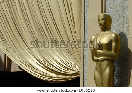USA 2006 - 78th Annual Academy Awards. Closeup of giant Oscar statue at the entrance of the Kodak Theatre.