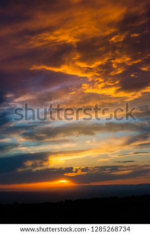USA, Utah, Colorado Plateau. Sunset from an overlook n the Manti-La Sal Forest Foto stock ©