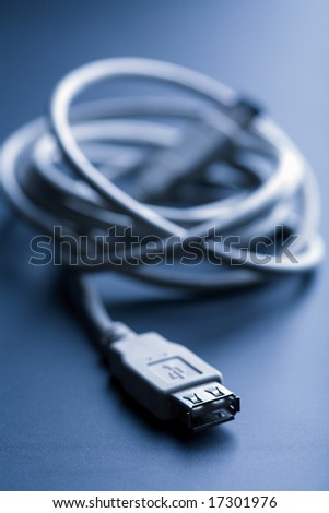 usb cable toned blue