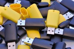 usb memory sticks - black and yellow