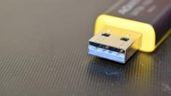 USB 3.0 Yellow Flashdrive