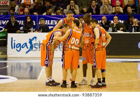 VALENCIA, SPAIN - JANUARY 28: Team Valencia Basket planning strategy during the ACB league match between Valencia Basket  and Asefa Estudiantes, 85-71, on January 28, 2012, in Valencia, Spain