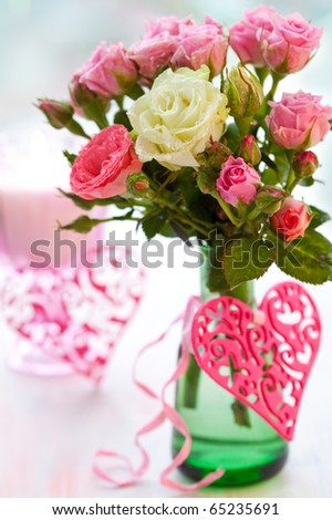 Valentine's Day table decoration of flowers and hearts