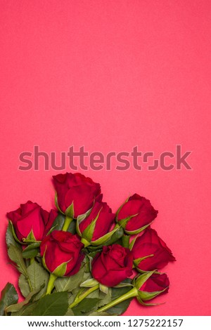 Valentines day background, romantic seamless red background,red rose bouquet, free copy text space
