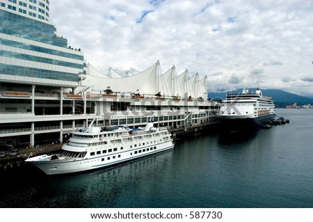 Vancouver, Canada Place, cruise ship docking