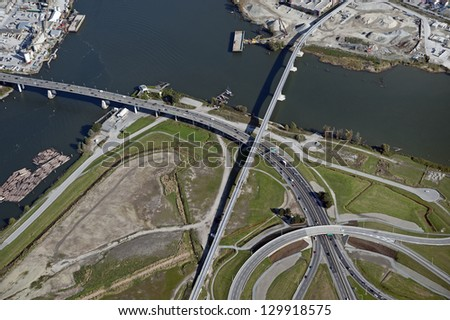 Vancouver-Richmond: Bridges, highway and roads and Fraser River