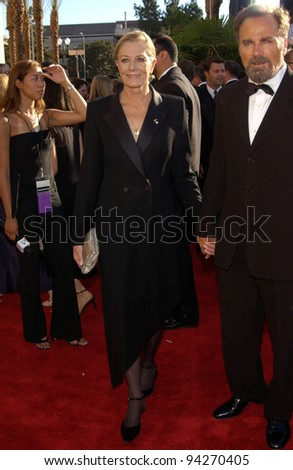 VANESSA REDGRAVE At The 2002 Emmy Awards In Los Angeles 22SEP2002