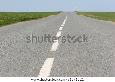 vanishing point of a road in the countryside