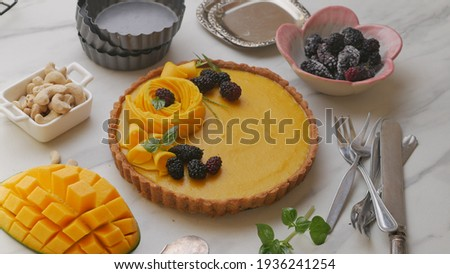 vegan mango tart with mulberry, shortcrust pastry perfect for holiday Photo stock ©