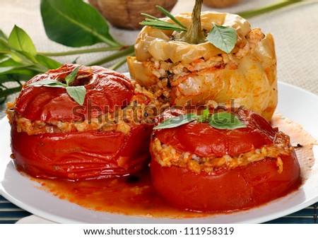 Vegetables stuffed with rice and herbs (yemistes).