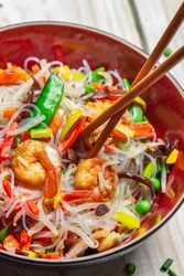Vegetables with noodles and shrimp