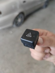 Vehicle hazard flasher button, safe warning button in case of accident or standby