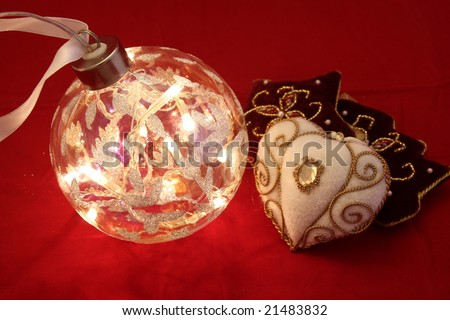 Velvet Christmas ornaments with ball with lights inside