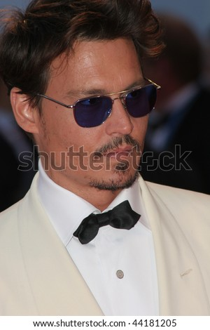 VENICE - SEPT 5:Johnny Depp attends the Tim Burton Golden Lion For Lifetime Achievement Award in Venice during Day 8 of the 64th Venice Film Festival on September 5, 2007 in Venice