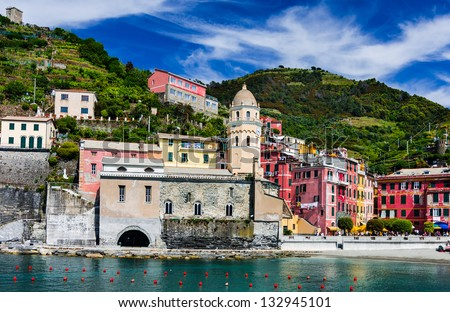 Vernazza small fishing village on Cinque Terre. This is a picturesque attraction sight of Italy.