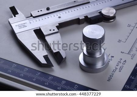 vernier caliper measuring