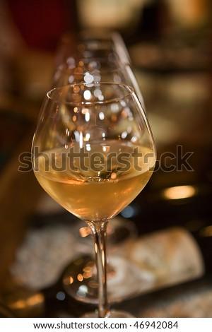 verres de vin en gros plan Stockfoto ©