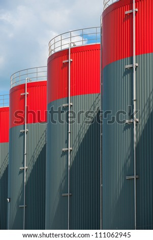 Vertical Picture of petrochemical storage tanks