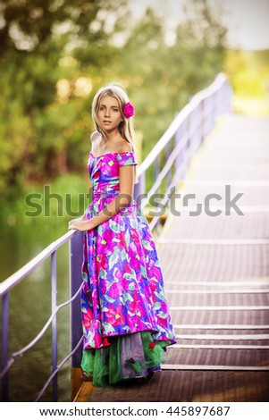 Free Photos Spanish Woman With A Flower In Her Hair Avopixcom