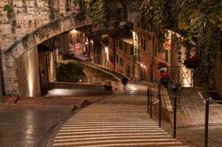 Via dell'Acquedotto, Perugia after dark