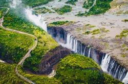 Victoria Falls (Tokaleya Tonga: Mosi-oa-Tunya,