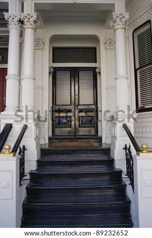 Victorian house entrance - example of San Francisco residential architecture