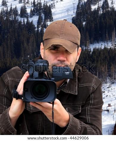 Video reporter #44629006