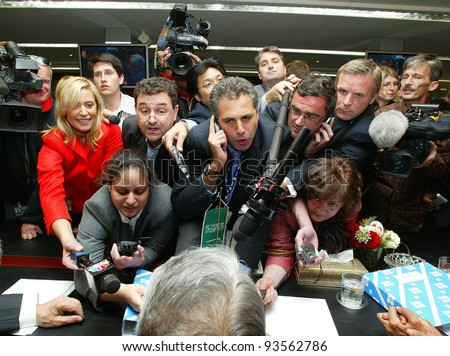 VIENNA, AUSTRIA - SEPT 19: Saudi Arabian oil minister Ali I Naimi is crushed by the media at the Organization of Petroleum Exporting Countries (OPEC) annual conference  on Monday, September 19, 2005 in Vienna, Austria