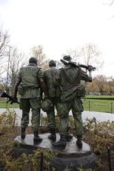 Vietnam Wall Three Men Soldier Statue