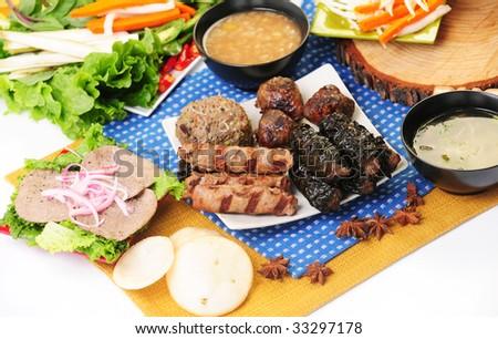 Vietnamese food bo 7 mon