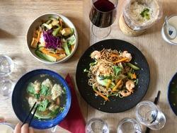 Vietnamese healthy cusine with wine
