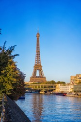 View from iles aux cygnes of Eiffel tower in autumn time