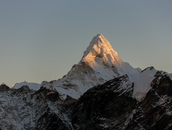 View from Kala Patthar (5600 m) to the Ama Dablam (6814 m) at sunset - Everest region, Nepal, Himalayas