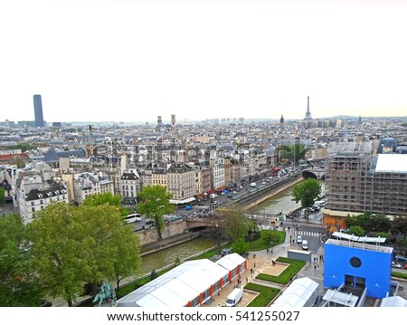 View from the rooftop of Notre Dame Cathedral in Paris, France Foto stock ©