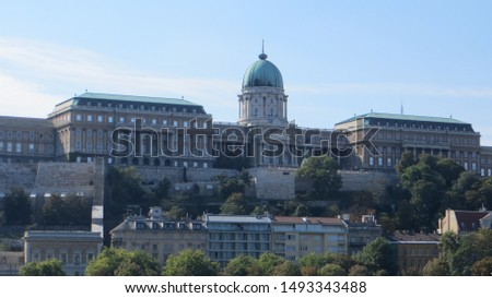 View of Buda Castle in Budapest from the Danube River. Historical castle and palace complex of the Hungarian kings in Budapest. Buda Castle sits on the southern tip of Castle Hill. Stock fotó ©
