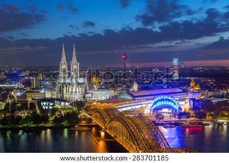 view of Cologne Cathedral in Cologne at night in germany #283701185