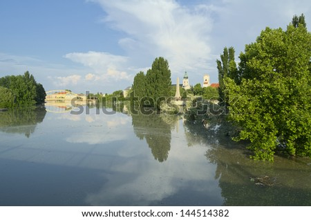 View of Flooded Gyor Town at Sunset When Danube River Reached the Maximum Water Level Stock fotó ©
