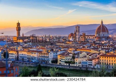 View of Florence after sunset from Piazzale Michelangelo, Florence, Italy Foto stock ©