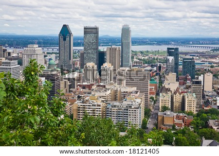 Downtown Montreal from the top of Mount Royal (Image Credit: Shutterstock)