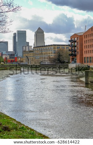 Shutterstock View of River Lea looking towards Canary Wharf from Bow at low tide.