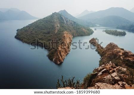 View of the Bahubali Hills near Lake Badi at Udaipur, Rajasthan, India Zdjęcia stock ©