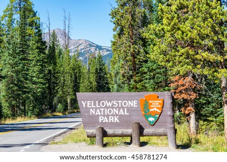 View of the entrance to Yellowstone National Park