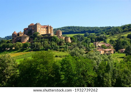 View of the hilltop castle of Château de Berzé in Burgundy, France Foto stock ©