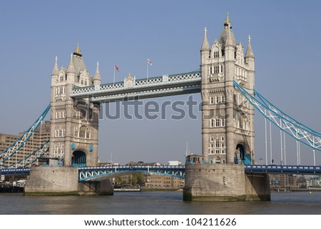 View of the London bridge over the Thames
