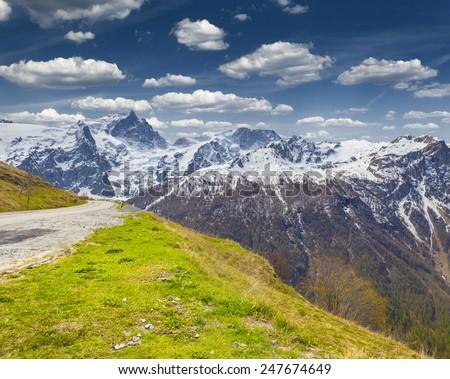View of the Pass Le Lautaret. Monetier les Bains, Alps, France. Zdjęcia stock ©