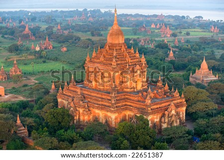 View of the Plain of Bagan from the Hot Air Balloon at sunrise, with the Htilominlo Pahto, Myanmar.