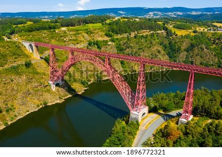 View of Viaduc de Garabit, Cantal department, Massif Central region, France Photo stock ©