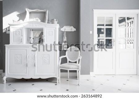 view of vintage furniture in...